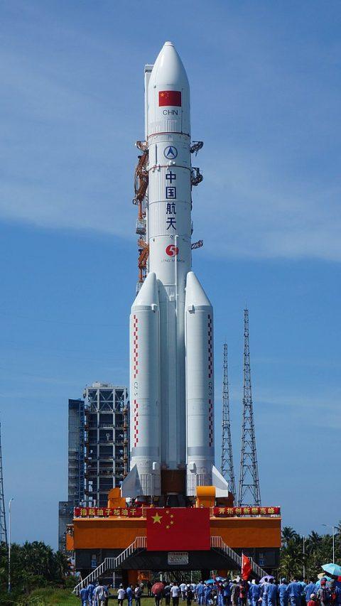 Lancement de la fusée Longue Marche 3B (c) emportant des satellites Beidou-3, MEO-5 et 6. (Source : Wikimedia Commons)