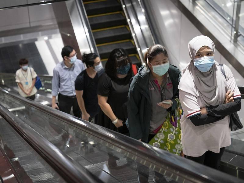 Des milliers de Malaisiens de retour au travail alors que la plupart des magasins ont rouvert le 4 mai 2020. (Source : Camdencourrier)