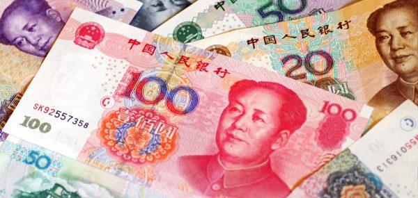 La dette de la Chine est détenue par son système financier sous le contrôle de l'État. Elle dispose du plus fort montant de réserves internationales qui la met à l'abri de la spéculation. Cependant, le coronavirus couplé à la guerre commerciale et au ralentissement de la croissance sensible dès la fin de 2019 pourraient la mettre en difficulté. (Source : Alliancebernstein)