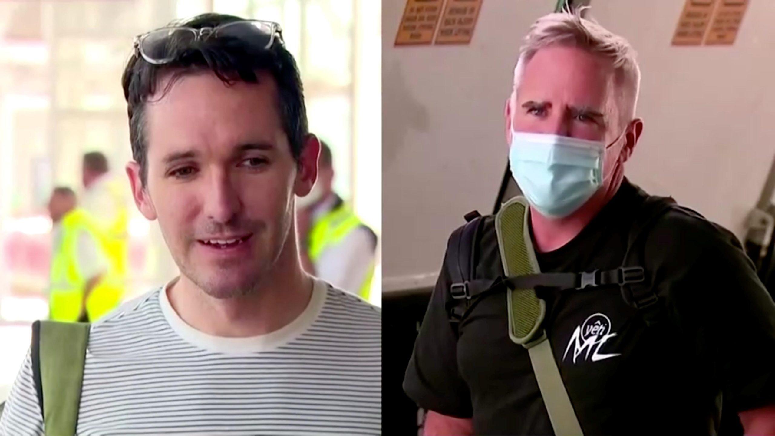 Les journalistes Bill Birtles d'ABC et Michael Smith de l'Autralian Financial Review, les deux derniers correspondants australiens en Chine, à leur arrivée à l'aéroport de Sydney le 8 septembre 2020, après leur exfiltration depuis Pékin et Shanghai. (Source : Reuters)