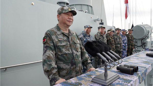 Le président chinois Xi Jinping lors d'une démonstration navale de l'Armée populaire de libération, le 13 avril 2018 en mer de Chine du Sud. (Source : CNN)