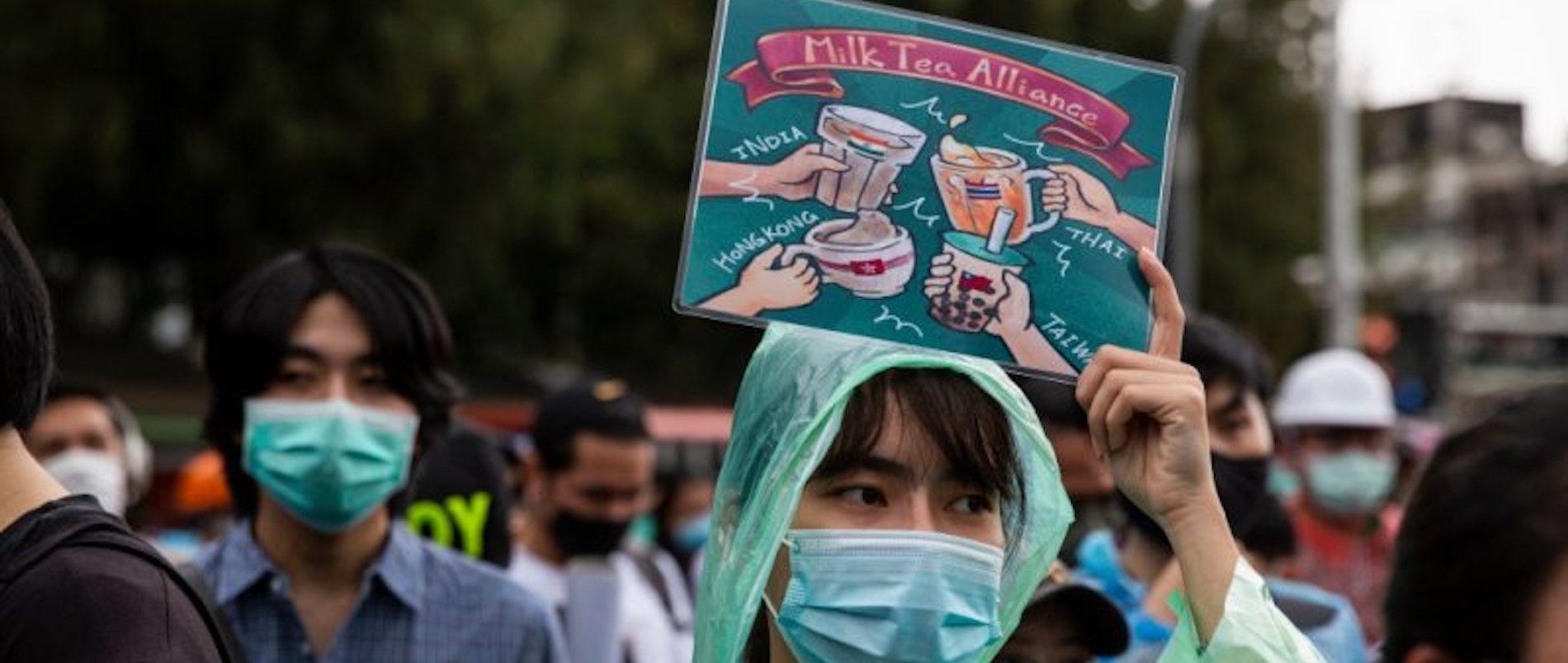 Des manifestants pro-démocratie à Bangkok, en octobre 2020.(Source : Time.com)