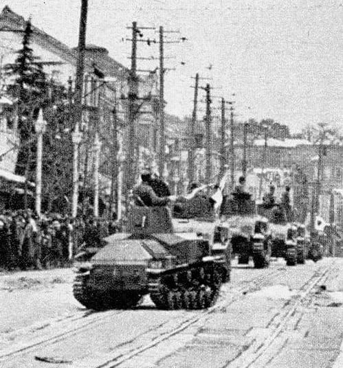 Chars dans Tokyo lors du putsch militaire manqué du 26 février 1926. (Source : Goo.ne)