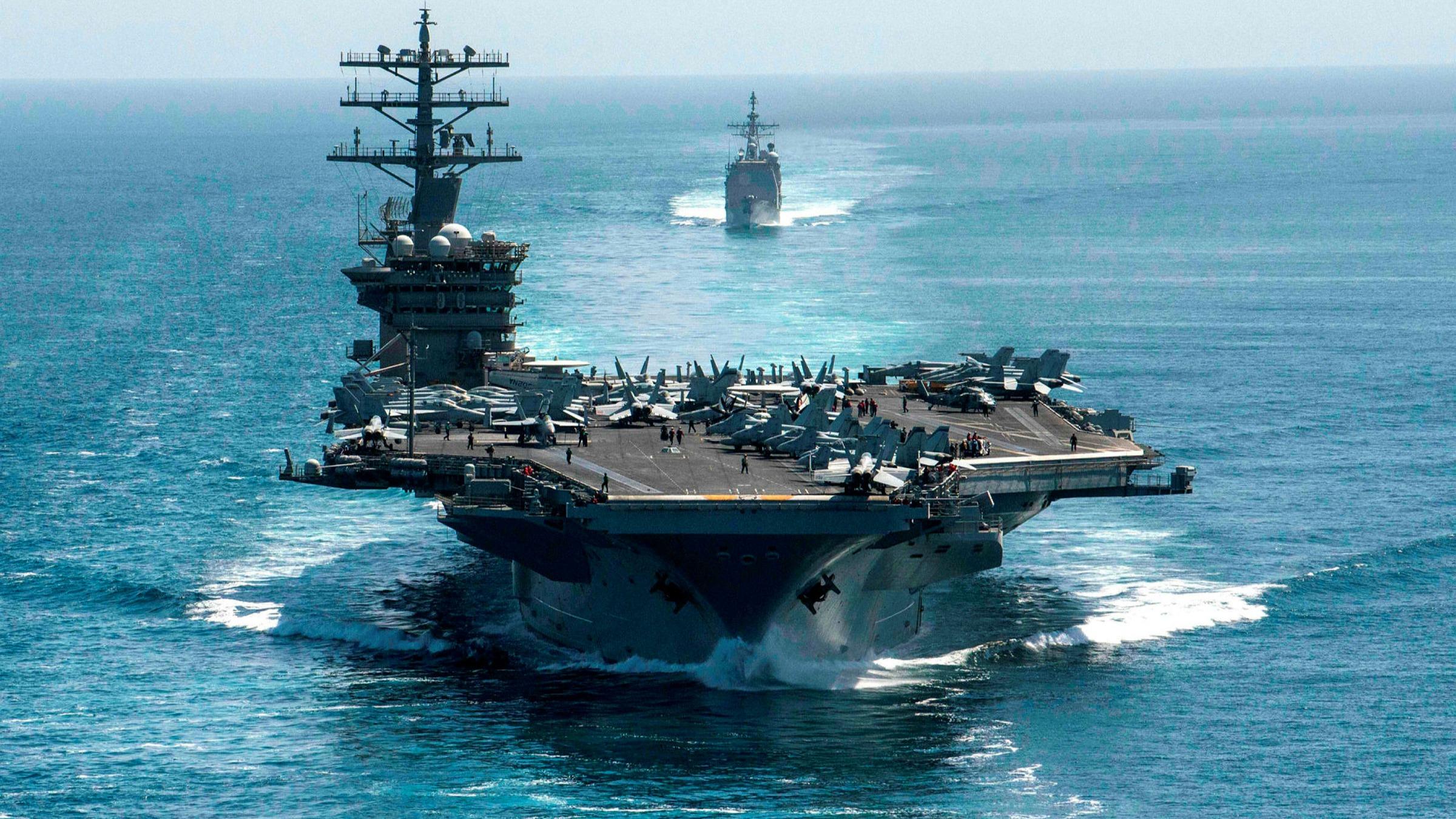 Le porte-avions américain USS Nimitz a participé à un rare exercice conjoint avec le porte-avions USS Roosevelt en mer de Chine du Sud, le 9 février 2021. (Source : FT)
