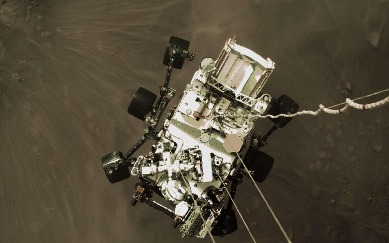 Le rover américain Perseverance, qui s'est posé sur Mars le 18 février 2021, pourrait croiser la route du rover chinois Tianwen-1 qui doit le rejoindre sur l'astre rouge fin avril-début mai. (Source : Futura Sciences)