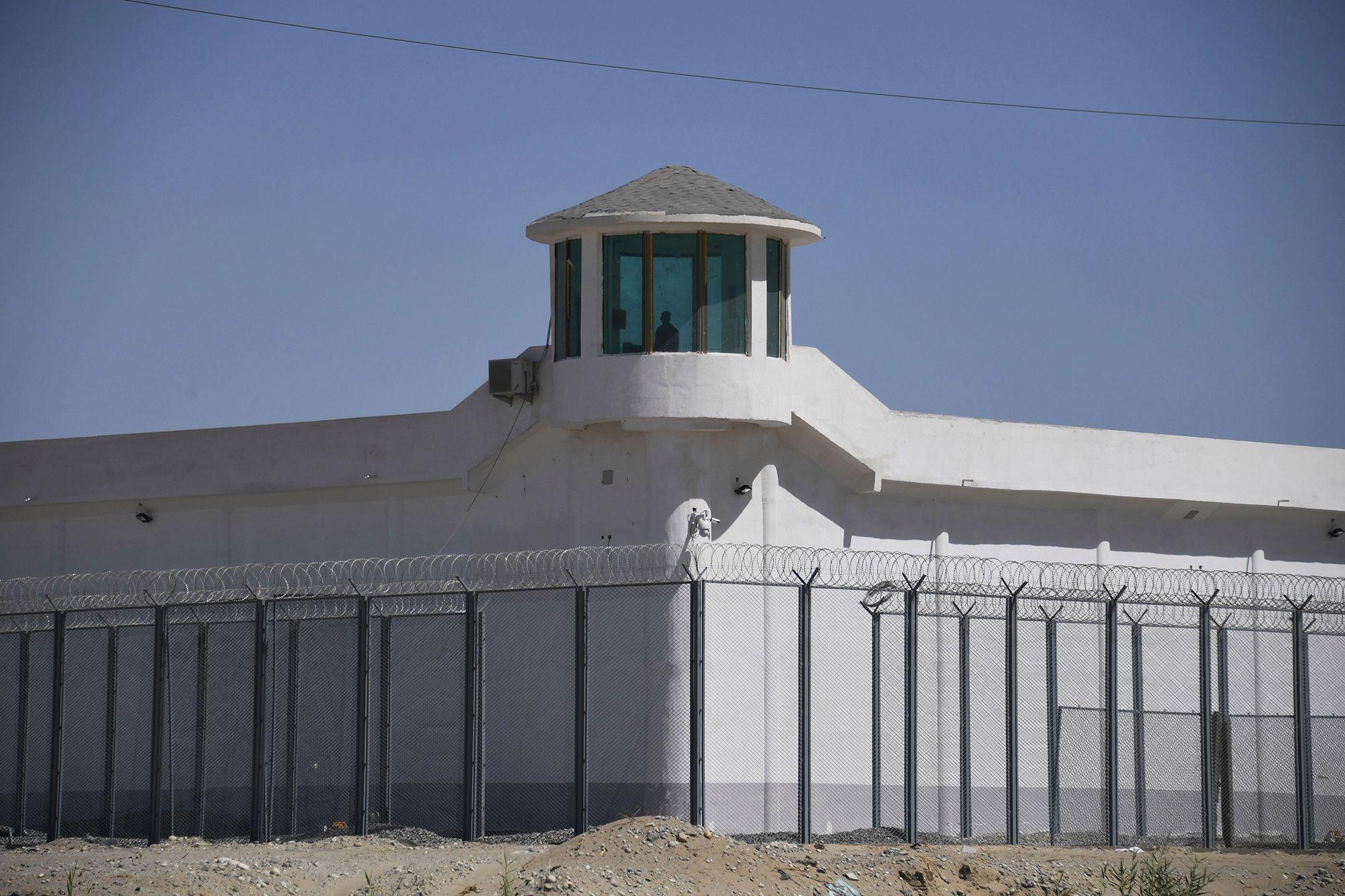 """Le 4 février 2021, le département d'État américain s'est déclaré """"profondément inquiet"""" des """"des témoignages de première main de viols systématiques et d'abus sexuels contre des femmes dans des camps d'internement de Ouïghours et d'autres musulmans au Xinjiang"""". (Source : NYPOST)"""
