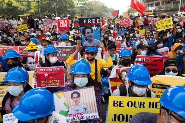 Manifestations contre le coup d'État militaire à Rangoun, le 19 février 2021. (Source : MalayMail)