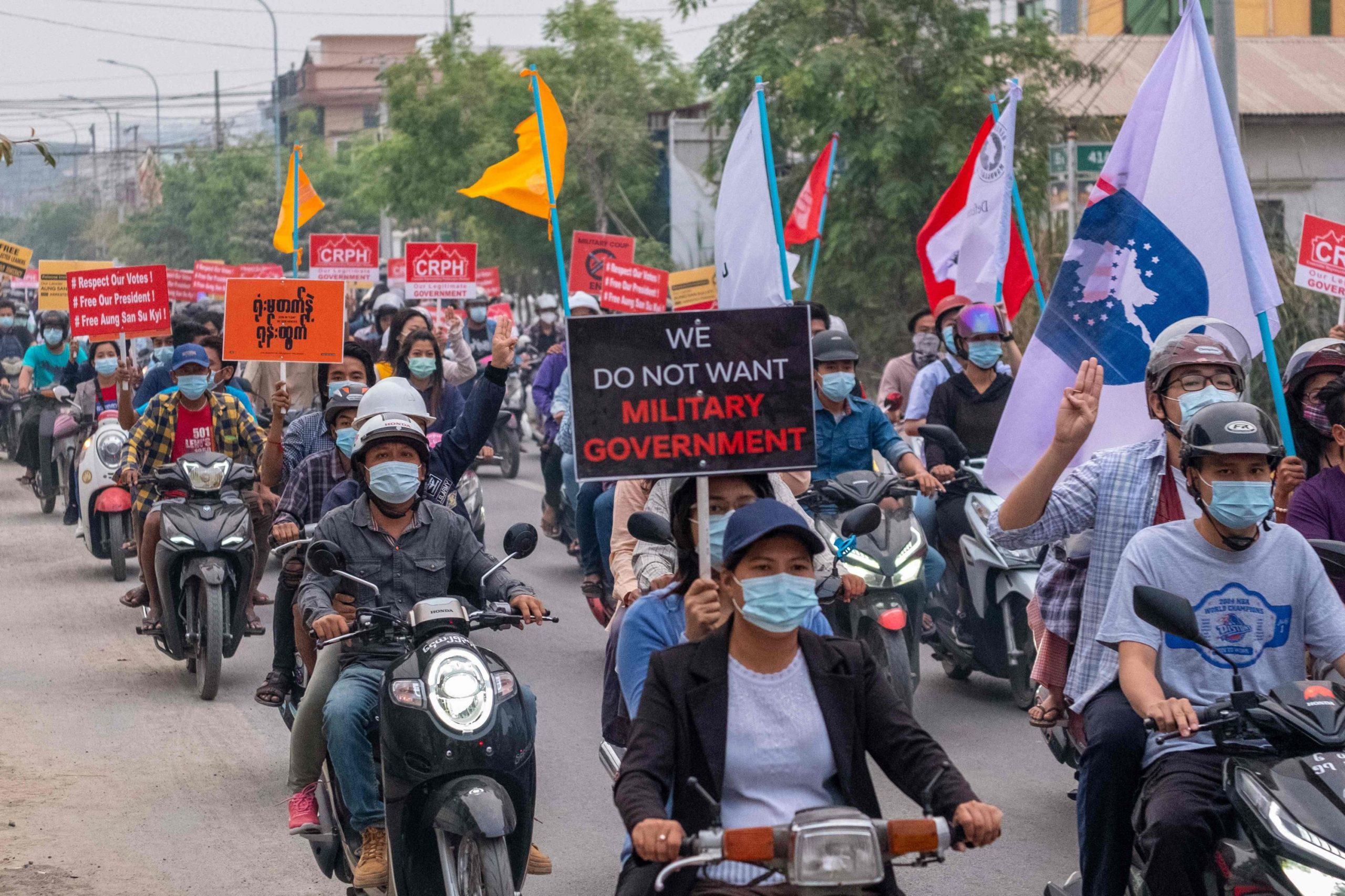 Manifestation contre le coup d'État des militaires birmans, à Mandalay le 4 avril 2021. (Source : Daily Sabah)