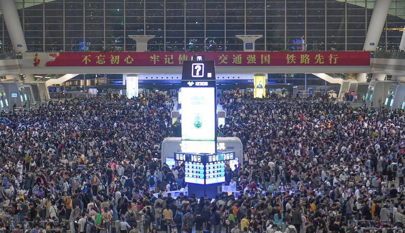 La gare de Hangzhou, au sud de Shanghai, le 30 avril 2021. (Source : World Journal)