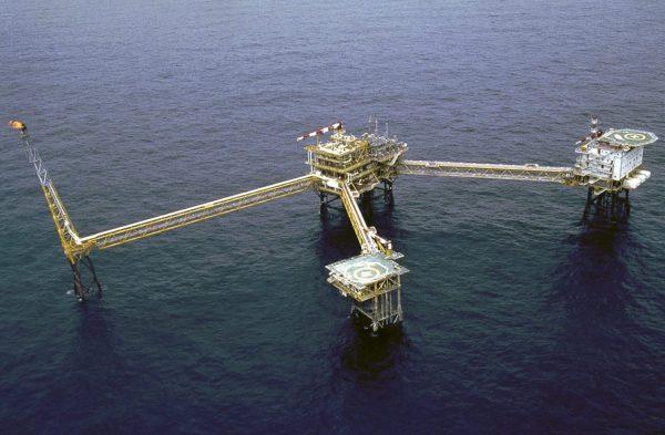 Le gisement gazier de Yadana, en mer d'Andaman, au large de la Birmanie, est opéré par les compagnies Total et Chevron. Si le site ne représente qu'une infime partie des revenus du groupe français, il a généré 76 millions d'euros de bénéfice avant impôt en 2019. (Source : Bangkok Post)