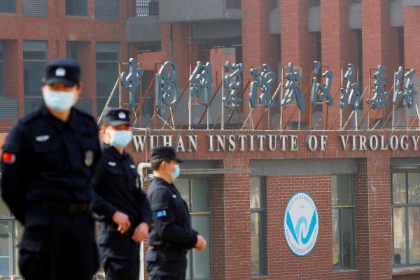 L'Institut de virologie de Wuhan, le 3 février 2021 durant la visite des enquêteurs de l'Organisation mondiale de la santé (OMS). (Source : Le Parisien)