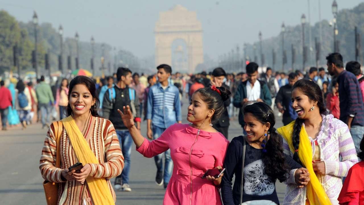 """Dans """"L'Inde, une société de réseaux"""", Sandrine Prévot s'attarde notamment sur le rôle clé des mariages et sur le statut des femmes, pour lesquelles l'idéal demeure encore souvent d'être femme au foyer. (Source : DNAIndia)"""