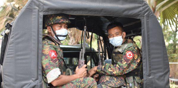 Face au Covid-19, l'impuissance de la junte militaire au pouvoir en Birmanie depuis le Coup d'État du 1er février 2021 peut-elle lui coûter le pouvoir ? (Source : Southeastasiaglobe)