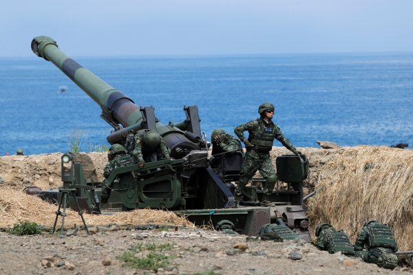 """La Chine dispose de missiles capables de frapper tout endroit de l'île et de """"paralyser"""" les centres de commandement taïwanais ainsi que ses installations militaires servant les opérations aériennes, maritimes et terrestres. (Source : National Interest)"""