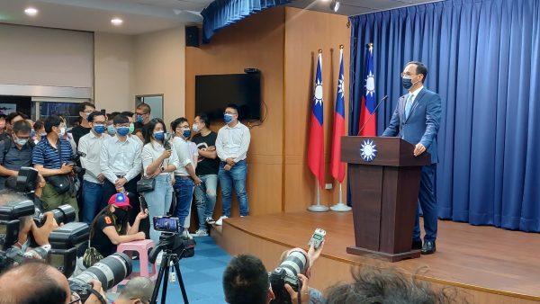 Eric Chu (朱立倫) au siège du Kuomintang à Taipei après l'annonce de son election à la tête du parti nationaliste chinois, le soir du 25 septembre 2021. (Copyright : Adrien Simorre)