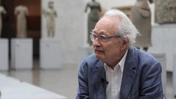 Le sinologue Léon Vandermeersch au Musée Guimet, à Paris en 2013. (Source : YouTube / Musée Guimet)