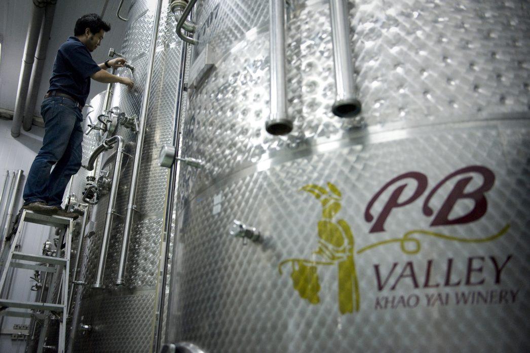 Une des cuves en acier de la PB Valley Winery à Khao Yai en Thaïlande.